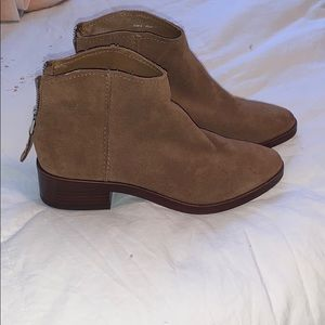 Dolce Vita booties size 6 NEVER WORN